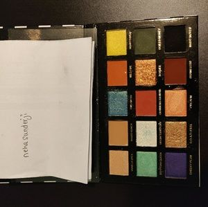 Makeup addiction cosmetics Sinful eyes palette